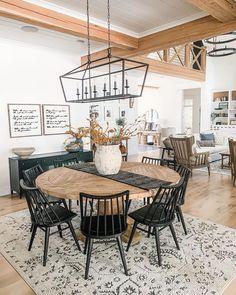 Kitchen Dining, Kitchen Decor, Farmhouse Dining Room Rug, Homey Kitchen, Dining Room Inspiration, Dining Room Design, Dining Room Area Rug Ideas, Interiores Design, Home Remodeling