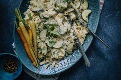 Kesäkurpitsapasta on helppo ja niin herkullinen Seitan, Bon Appetit, Pasta, Meat, Chicken, Food, Essen, Meals, Yemek