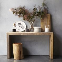 Entry way table -- Emmerson Reclaimed Wood Console Articles En Bois, Tree Stump Side Table, Side Tables, Flur Design, Design Design, Design Trends, Style Deco, Home Decor Trends, Decor Ideas