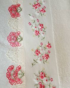No automatic alt text available. Rockabilly, Decorative Towels, Floral Tie, Quilt Patterns, Diy And Crafts, Embroidery, Quilts, Blanket, Towels