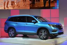 Blue 2017 Honda Pilot Side