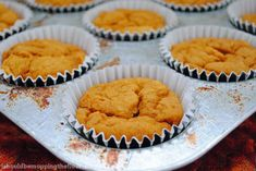Skinny Pumpkin Spiced Muffins: 2 Weight Watchers Points Plus per serving, and only 3 ingredients! Ww Desserts, Weight Watchers Desserts, Delicious Desserts, Dessert Recipes, Yummy Food, Ww Recipes, Low Calorie Recipes, Fall Recipes, Baking Recipes
