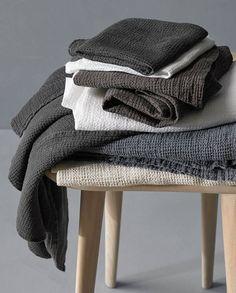 Society Limonta | Lipe waffle weave linen bath towels  www.societylimonta.com