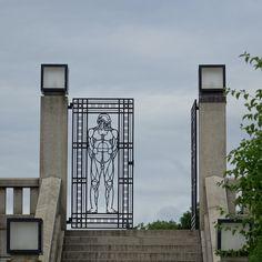 oslo   norge   frognerparken   vigelandsanlegget   port til monolittplatået