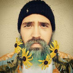 (15) flower beard   Tumblr