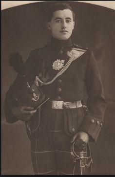 Maj Gen Robert Cotton Monet, Cams