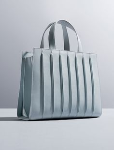 7cd945383df6 Whitney Bag, Renzo Piano & Max Mara for Whitney Museum Modeväskor, Mode  Väskor,