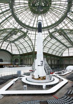 Défilé Chanel prêt-à-porter automne-hiver 2017-2018 au Grand Palais à Paris