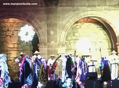 """Kúrpites de San Juan Nuevo durante K'uinchekua """"La Fiesta Grande de Michoacán"""" en la Plaza Valladolid en Morelia"""