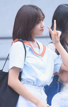 Yu Jin, Japanese Girl Group, The Wiz, Girl Crushes, Kpop Girls, Rapper, Idol, Korean, Ruffle Blouse
