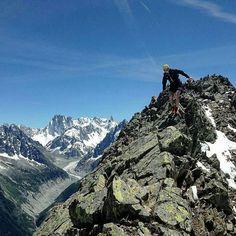 @luke.ataylor conquers the mountains of Chamonix.  Click link in bio to shop running.  #dare2b #alpinerunning #mountains #scrambling #fellrunning #trailrunning #chamonix