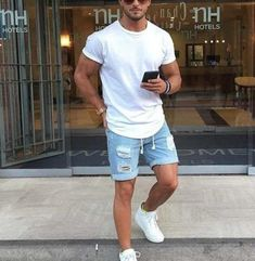 Personality Fashion Wear-Washed Men's Jeans Five Pants Best Picture For summer outfits girly For You Mens Fashion Wear, Suit Fashion, Rugged Men's Fashion, Trendy Mens Fashion, Queer Fashion, Emo Fashion, Stylish Men, Men Casual, Stylish Clothes For Men