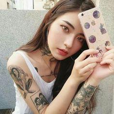 Meet ava, a American-korean , a member of the queens cartel. Korean Tattoos, Asian Tattoos, Sexy Tattoos, Girl Tattoos, Tattoos For Women, Tattoed Girls, Inked Girls, Pretty Asian, Beautiful Asian Girls