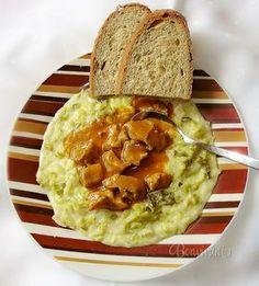 Recept, ktorý u nás v rodine varí už štvrtá generácia. Naučila ma ho variť moja maminka. Ani neviem či je to kelový prívarok, skôr kel na smotane, alebo smotanový kel, ktorý sa v našej rodine vždy podáva s gulášom a čerstvým chlebom. Také jednoduché obyčajné jedlo, ale tak dobré.
