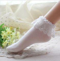 Frilly Socks, Lace Socks, Ankle Socks, Moda Vintage, Vintage Lace, Fashion Socks, Cute Fashion, Womens Fashion, Girl Fashion