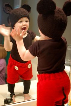 Homemade Mickey costume...sooo adorable!! This might be Logan's Halloween costume this year:)