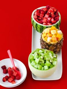 Color-Coded Fruit Bowls #PartyIdeas #FruitSalad