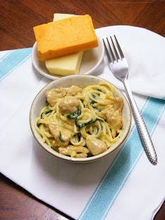 Spagetti, Macaroni And Cheese, Ethnic Recipes, Food, Mac Cheese, Meal, Essen, Hoods, Mac And Cheese