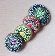 Gartendekoration - Mandala - Gemalter Stein - Fee Garten - Henna Art - ein Designerstück von CreateAndCherish bei DaWanda