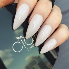 In search for some nail designs and ideas for the nails? Listed here is our list of 12 must-try coffin acrylic nails for trendy women. Sns Nails Colors, Fun Nails, Pretty Nails, Neutral Nails, Beautiful Nail Designs, Beautiful Nail Art, Casket Nails, Wedding Acrylic Nails, Special Nails