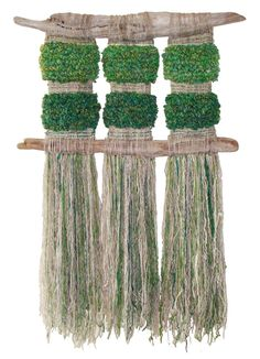 Verde que quiero verde by Marianne Werkmeister. Unfortunately, I don't know which materials were used, but I love the natural materials that she used and the colours. Weaving Textiles, Weaving Art, Loom Weaving, Tapestry Weaving, Hand Weaving, Weaving Wall Hanging, Hanging Art, Wall Hangings, Creative Textiles