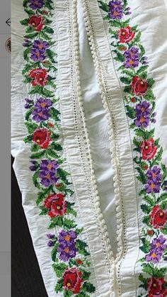 Folk Costume, Costumes, Popular, Punto Croce, Needlepoint, Flowers, Embroidery, Dress Up Clothes, Most Popular
