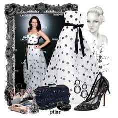 Нежное белое платье в черный горох