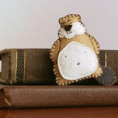 Beaver felt brooch by comakoala #etsy #craft #felt #beaver