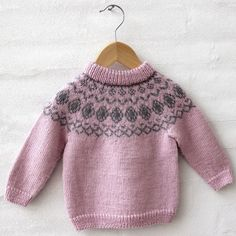 Vintage Classic - Nori fra Go Handmade Knitting For Kids, Baby Knitting Patterns, Baby Patterns, Knitting Ideas, Girls Sweaters, Baby Sweaters, Bindi, Wool Felt, Free Pattern