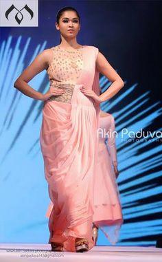 #kfl #keralafashionleague #indiancouture #coutureindia #peachfashion #hyderabaddesigner #sashivangapalli #mugdhaartstudio Contact Details:040-65550855/9949047889 Watsapp:8142029190/9010906544 Email-id:Mugdha410@gmail.com Instagram:MugdhaArtStudio