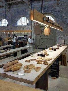 bakery interior designs 9 Design Café, Cafe Design, Hotel Restaurant, Restaurant Design, Modern Restaurant, French Vanilla Cupcakes, Bread Shop, Food Retail, Bakery Design