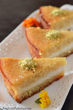 A gloriously creamy and moist semolina cake, stuffed with luscious cream drizzled with syrup then topped with nuts. A pastry shop style cake with a stunning look that will get everyone's attention. Ramadan Recipes, Sweets Recipes, Cake Recipes, Cooking Recipes, Ramadan Desserts, Halal Recipes, Arabic Dessert, Arabic Sweets, Arabic Food