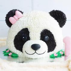 No photo description available. Panda Bear Cake, Bolo Panda, Panda Cakes, Bear Cakes, Panda Birthday Cake, Birthday Cake Girls, Panda Party, Bear Party, Panda Decorations
