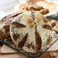 Wholewheat Bread with Walnuts