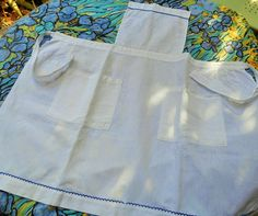 Vintage White Linen Apron French Maid Apron Blue Trimmed Two Front Pockets #sophieladydeparis