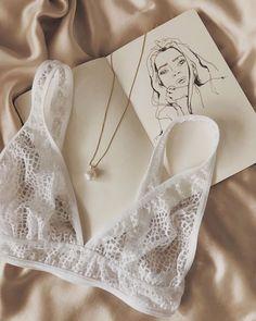 Jolie Lingerie, Pretty Lingerie, Luxury Lingerie, Lingerie Set, Ropa Interior Retro, Effortless Chic, Lingerie Sleepwear, Minimal Fashion, Mode Style