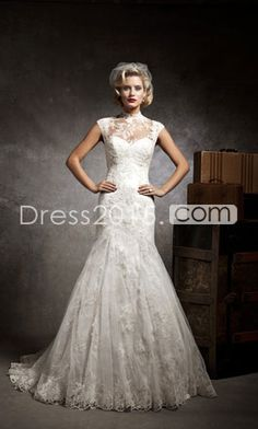 Today I am bringing another exciting post of lace mermaid vintage wedding dress! I have been madly looking for new sort of lace mermaid vintage wedding dress. 2015 Wedding Dresses, Wedding Dress Styles, Wedding Gowns, Lace Wedding, Mermaid Wedding, Lace Mermaid, Dresses 2014, Mermaid Sweetheart, Vintage Mermaid