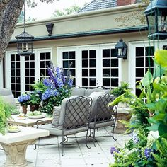 Add Elegance with Outdoor Hanging Lights