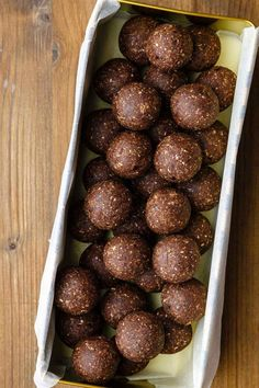 Almond Joy Energy Balls (Oh My!) - Real Time - Diet, Exercise, Fitness, Finance You for Healthy articles ideas Protein Snacks, Vegan Snacks, Healthy Snacks, Protein Bites, Diet Snacks, Healthy Cookies, Healthy Eating, Paleo Grubs, Almond Joy