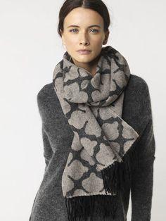 Medin scarf