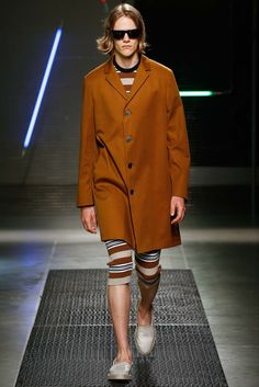 See the complete MSGM Spring 2016 Menswear collection.