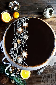 Weihnachts-Tarte mit Orange und Schokolade Christmas tart with orange and chocolate – tongue circus Berry Smoothie Recipe, Easy Smoothie Recipes, Easy Smoothies, Snack Recipes, Christmas Desserts, Christmas Baking, Christmas Tree, Homemade Frappuccino, Grilled Fruit