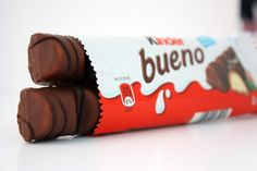 Nothing beats a Kinder Bueno. I would like to say thank you to Kinder for inventing such a beautiful product :) Galaxy Chocolate Bar, Chocolate World, Chocolate Shop, Best Chocolate, Chocolate Lovers, Chocolate Candy Brands, Chocolate Snacks, British Candy, Old Sweets