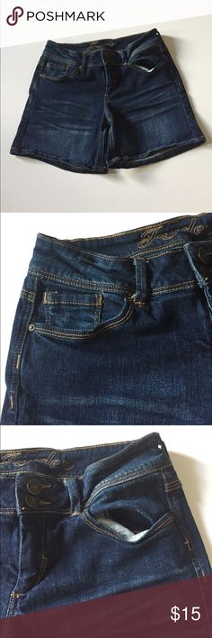 """delia's Jayden Stretch Jean Shorts Excellent condition. Dark wash. Low rise, stretch.  2 button closure above zipper. 98% cotton, 2% spandex. Waist about 27"""", rise 8"""", inseam about 5"""". Size 7/8. Not from a smoke free house. 327 delia's Shorts Jean Shorts"""
