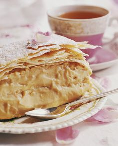 Custard slices Creamy, dreamy and totally decadent! South African Desserts, South African Dishes, South African Recipes, Other Recipes, Sweet Recipes, Yummy Recipes, Recipies, Kos, Custard Slice