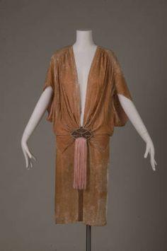 1920s Fashion Women, Vintage Fashion, Style Année 20, 1920s Style, Vintage Dresses, Vintage Outfits, Mode Mantel, 1920s Outfits, 1920s Dress