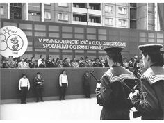 Dobové foto - Dobové foto PS - Bratislava Petržalka - námestie Hraničiarov r. Bratislava, Socialism, Old Photos, Nostalgia, 1, Borderlands, Retro, Pictures, Old Pictures