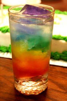 Bebidas de colores con hielos divertidos!