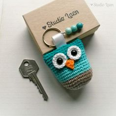 Crochet owl keychain with beads - Crochet - Sea-color theme