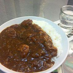 朝からタマネギ炒めて煮込みました。 ヤバい♪(*^_^*) - 10件のもぐもぐ - チキンカレー by hipon